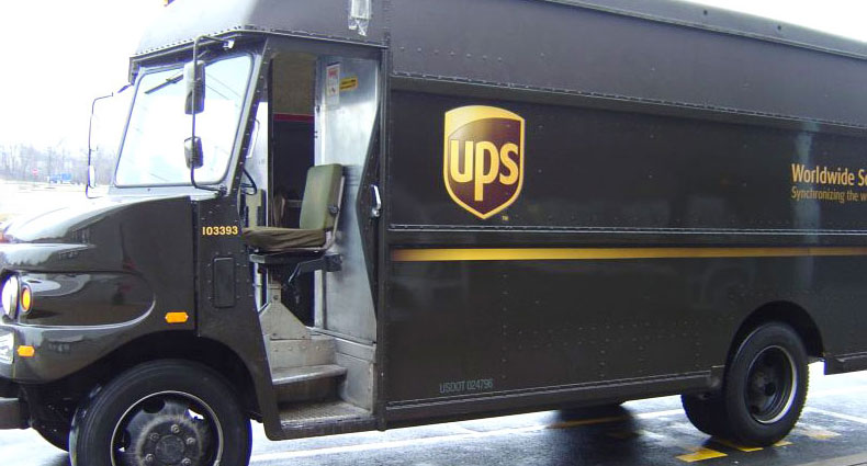 ups-camion-drone