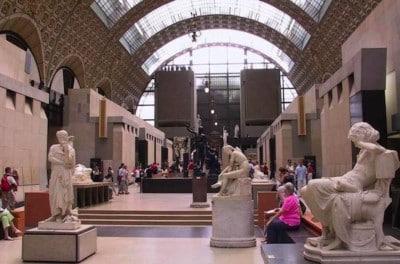 culture française-tourisme-entraide