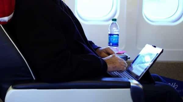 ordinateur personnel-cabine-avion