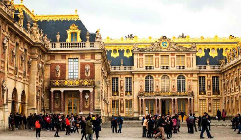 Versailles une ville visiter pas seulement pour son for Piscine de versailles