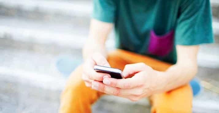 Les moins de 13 ans-utilisateurs-reseaux-sociaux