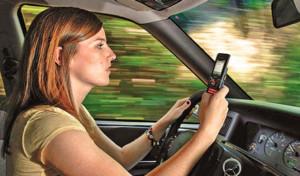 smartphone-utilisé-volant