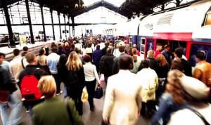 foule sur les quais du RER suite à la grève SNCF