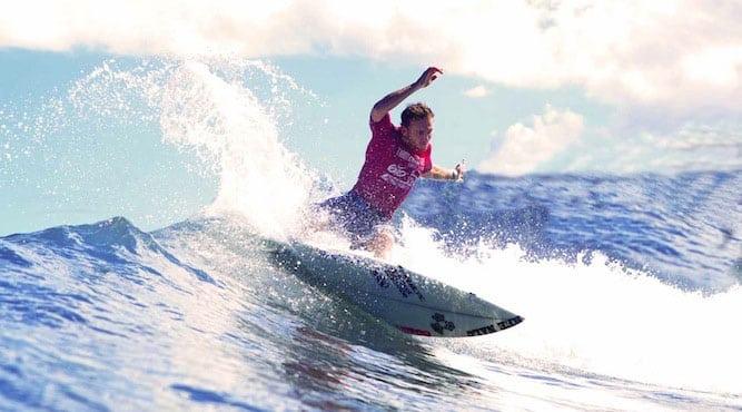 pays-basque-region-surfer