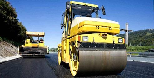 L'entretien des routes améliore leur sécurité.