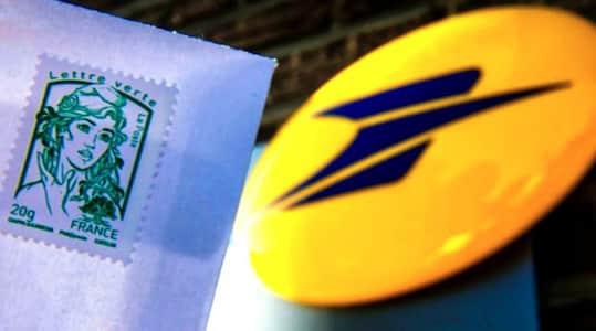 timbre vert et enseigne de la poste