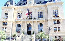 Mairie De Tarbes 1