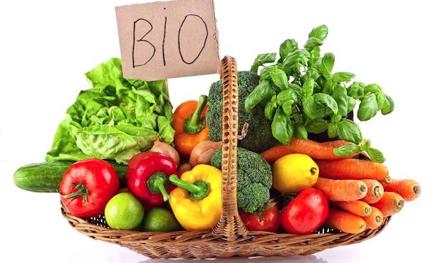 Un panier de produits bio