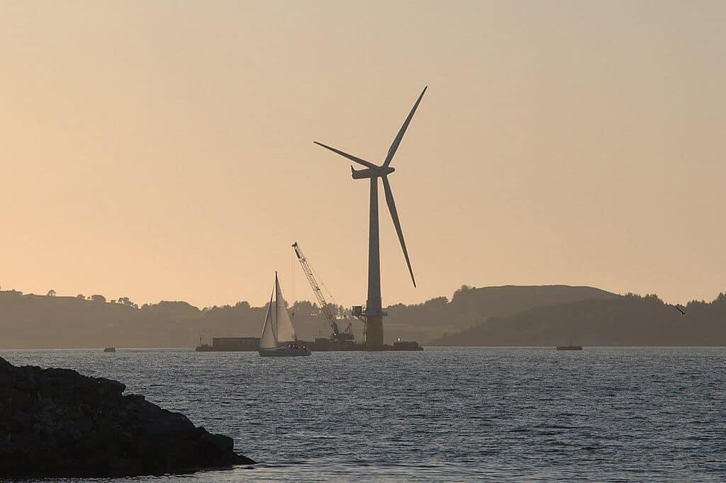 une éolienne flottante