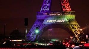 Promotion des futurs JO sur la Tour Eiffel