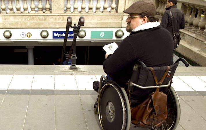 Etre handicapé dans le métro parisien : une gratuité qui questionne