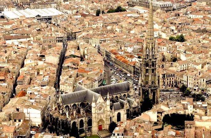 Facebook lance un guide touristique consacré à Bordeaux