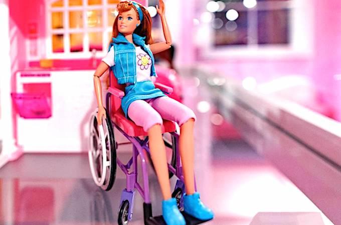 Mattel ose montrer sa Barbie autrement.