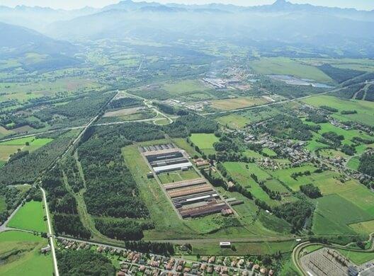 une vue très verte de Lannemezan