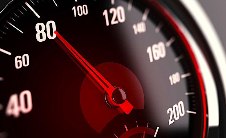 La limitation à 80 km/heure est très pénible pour beaucoup d'automobilistes.