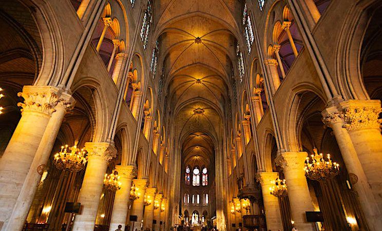 Reconstruction de Notre-Dame: l'apport des reconstitutions en 3D