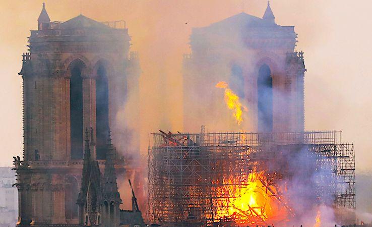 Incendie de Notre-Dame : Paris touché en plein coeur