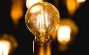 Cette année, l'envoi du chèque-énergie sera plus tardif, à cause du confinement obligatoire.