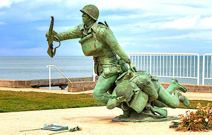 La célébration du Débarquement de Normandie reste un événement touristique majeur.