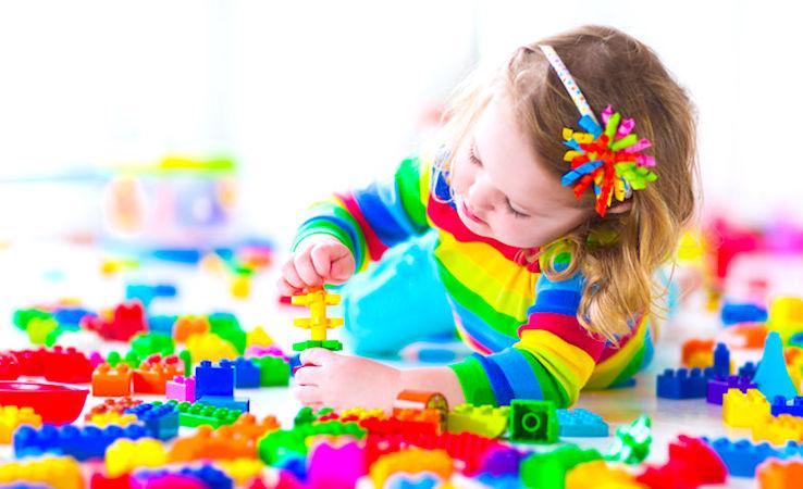 Petits enfants : de futures aides jusqu'à l'âge de deux ans
