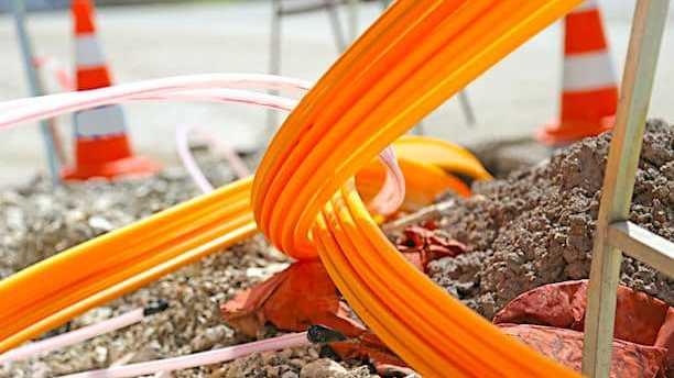 Cropped Orange Fait De Son Mieux Pour Semparer Du De Ploiement De La 5g