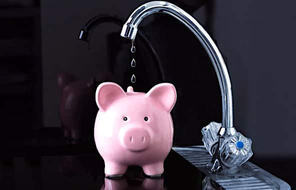 A Lyon, l'association CANOL accuse la Métrople d'avoir fait une facture d'eau surévaluée.