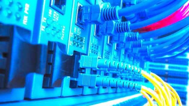 Cropped Les Fournisseurs Dacce S A Internet Font Des Offres Promotionnelles Constantes