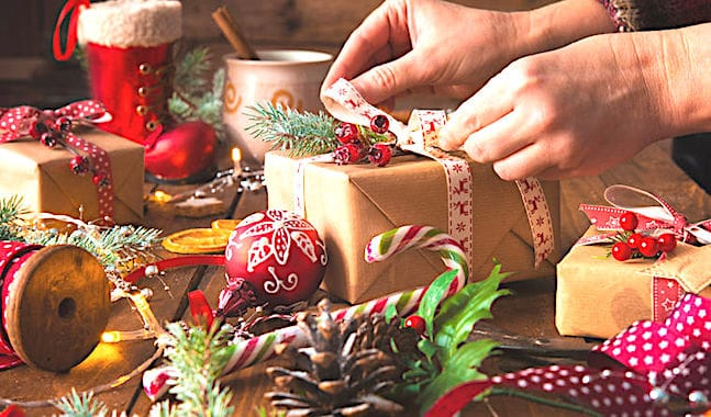 La revente des cadeaux de Noël sur Internet devient une pratique courante.