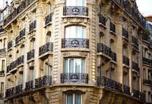 Les loyers parisiens qu'on trouve dans la presse immobilière respectent rarement la loi sur l'encadrement en vigueur.