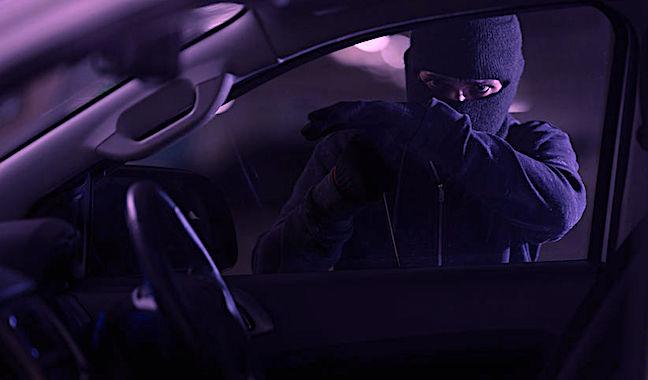 Des radars cachés dans des voitures banalisées sont le nouveau système utilisé pour contrôer la vitesse sur les routes.
