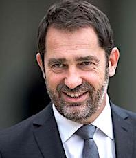 Christophe Castaner a dû abaisser le seuil d'habitants fixé par commune, pour les Municipales.