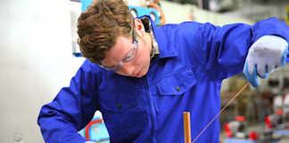 La haussse record de l'apprentissage en France satisfait pleinement la ministre du Travail.