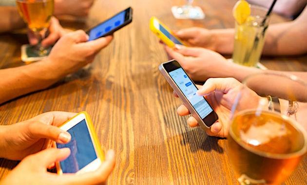 Le prix moyen d'un smartphone en France est actuellement de 420 euros.