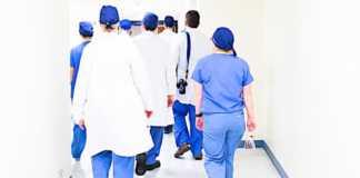 Les démissions de médecins continuent en France.