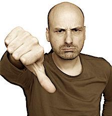 photo d'un soignant en colère pour les démissions de médecins en hôpital