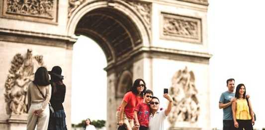 A cause du coronavirus, la venue des touristes chinois a nettement baissé à Paris.