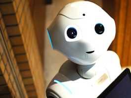 Avec le robot Pepper, l'assistance à domicile des seniors dépendants pourrait s'améliorer.