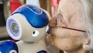 Le robot Pepper est très bien perçu par les seniors.