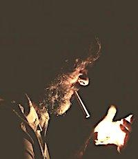 Une forte hausse du tabac vient de faire passer certains paquets de cigarettes à plus de 10 euros.