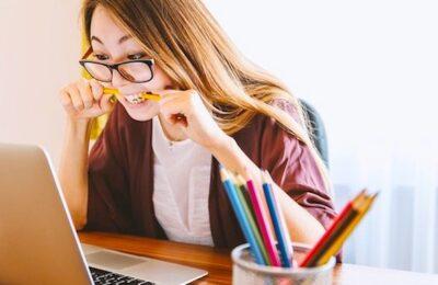 Des aides permettent de fournir des ordinateurs aux étudiants précaires