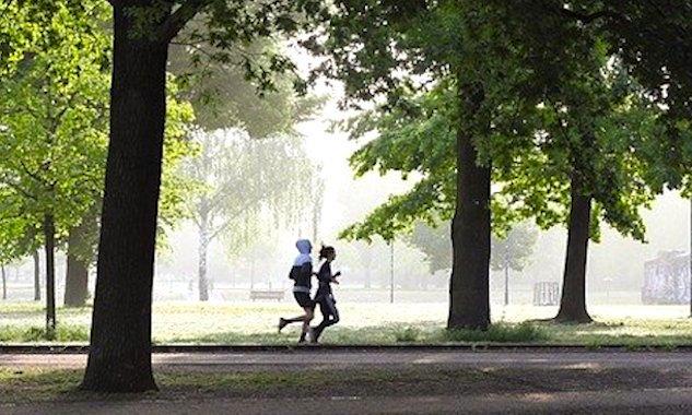 La pratique du jogging à Paris.