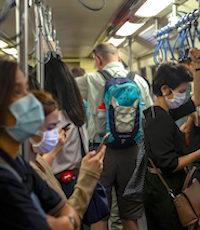 Le port du masque a de fortes chances de devenir obligatoire pour utiliser les transports en commun.