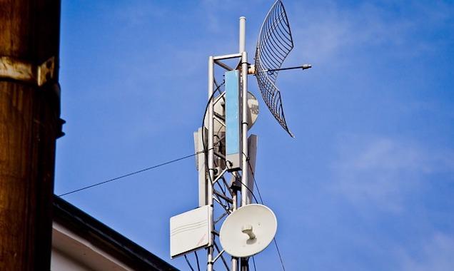 Les attaques d'antennes-relais dédiées à la 5G prétendent lutter contre la diffusion du coronavirus.