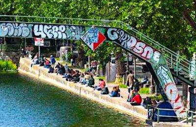 A Paris, la police veut limiter les attroupements en bords de Seine et près des canaux.