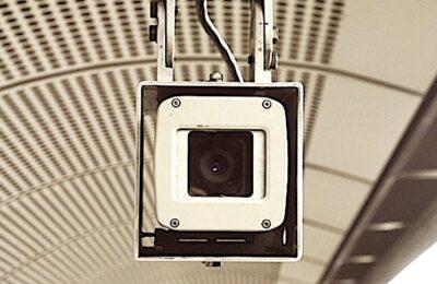 Le port du masque de protection est désormais surveillé dans le métro et dans les bus.