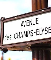 Un panneau indicateur des Champs-Elysées