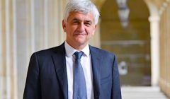 Hervé Morin, Président de la région Normandie, a annoncé le lancement de prêts à taux zéro en faveur des petites entreprises normandes.