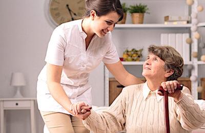 Les employés des aides à domicile vont aussi toucher des primes.