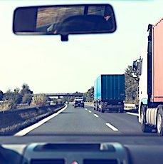 Rouler moins vite sur les autoroutes permettrait de limiter nos émissions de CO2.