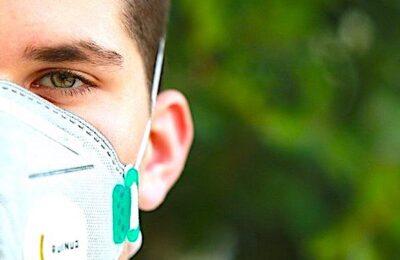 Les lieux publics clos doivent maintenant être fréquentés en portant un masque de protection.